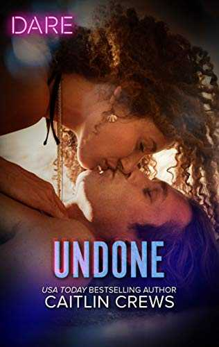 Undone: A Holiday Fling Romance (Hotel Temptation Book 2) (English Edition)