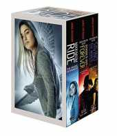 [Maximum Ride Boxed Set: The Fugitives: The Angel Experiment/School's Out - Forever/Saving the World and Other Extreme Sports] (By: James Patterson) [published: October, 2010]